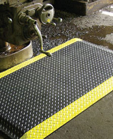 Diamond Plate / Knob Back Wet Area Anti-Fatigue Mat